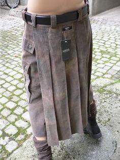 Modern Kilts, Men Wearing Skirts, Man Skirt, Men In Kilts, Future Fashion, Mens Fashion, Fashion Outfits, Skirt Outfits, Diy Clothes