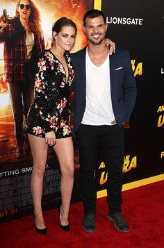 Kristen Stewart Reunites With Taylor Lautner At 'American Ultra' Premiere — Cute Pics