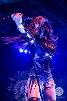 Women in Metal. — Floor Jansen- Nightwish @ The Crystal Ballroom,. Heavy Metal Fashion, Heavy Metal Girl, Heavy Metal Music, Heavy Metal Bands, Metal Sinfônico, Rock Y Metal, Metal Floor, Rock Roll, Musica Metal