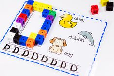 Help your kids practice letter recognition, beginning sounds and letter formation with this Printable Uppercase Alphabet Snap Cube Mat.