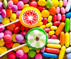Lollipops and Candy Jigsaw Puzzle Avalon Hotel, Puzzle Pieces, Food Pictures, Easter Eggs, Jigsaw Puzzles, Candy, Lollipops, Porch, Classic