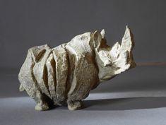 Neushoorn Pottery Animals, Ceramic Animals, Clay Animals, Pottery Sculpture, Sculpture Clay, Pottery Art, Ceramic Figures, Ceramic Art, Sculptures Céramiques