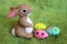 Osterhase Nadel Gefilzte Bunny 1 von BondurantMountainArt auf Etsy