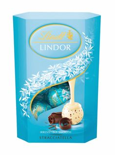 Lindt Lindor Stracciatella - hands down the BEST truffle in the world (in my opinion) Lindt Lindor, Lindt Chocolate, Chocolate Milkshake, Chocolate Packaging, Dove Chocolate Discoveries, Hello Kitty Toys, Sweet Trees, Delicious Deserts, Favorite Candy