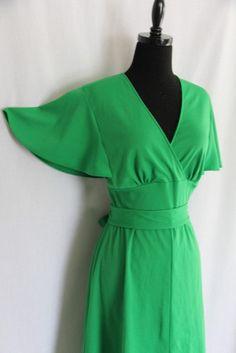 GREAT Vintage Kelly Green Dress w Butterfly by VintageStylez