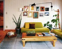 カントリーログハウス クールテイスト|ログハウスのBESS Log Homes, Home Office, Gallery Wall, Couch, Living Room, Cool Stuff, Country, Interior, Rooms