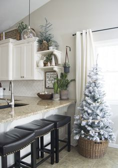 Looking for for images for farmhouse christmas decor? Browse around this site for cool farmhouse christmas decor pictures. This particular farmhouse christmas decor ideas seems completely amazing. Farmhouse Christmas Decor, Cozy Christmas, Homemade Christmas, Christmas Cards, White Christmas, Christmas Trees, Christmas Vacation, Christmas Decor For Kitchen, Tv Stand Christmas Decor