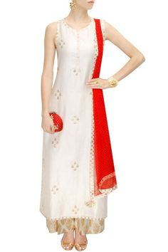 Amrita Thakur presents Ivory and red gota patti work kurta set available only at Pernia's Pop-Up Shop. Ethnic Outfits, Indian Outfits, Indian Designer Outfits, Designer Dresses, Indian Designers, Salwar Kameez, Sharara, Salwar Suits, Indian Attire