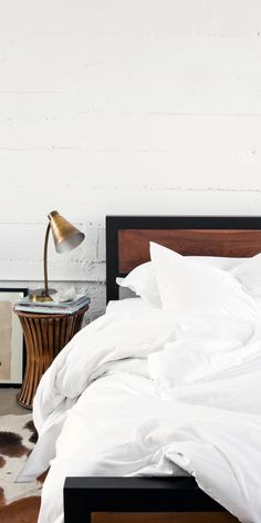 White bedding in Percale fabric | In Collaboration with Parachute Home