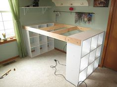 He assembles 3 Ikea shelves with plank for his wife. - Home Decor -DIY - IKEA- Before After Diy Crafts Desk, Craft Desk, Craft Rooms, Resin Crafts, Kids Rooms, Kids Crafts, Wood Crafts, Bed With Desk Underneath, Ikea Regal