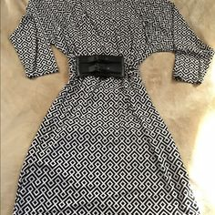 Michael Kors Dress Black White Print 3qrt length sleeves. Above knee. Wear with or without belt. Worn Once. Michael Kors Dresses Mini