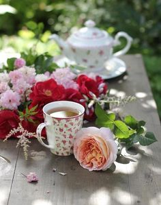 Coffee Love, Coffee Cups, Tea Cups, Sweet Coffee, Happy Tea, Coffee Cookies, Breakfast Tea, Coffee Photography, My Cup Of Tea