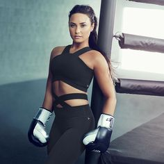 "444.1b Beğenme, 2,808 Yorum - Instagram'da Demi Lovato (@ddlovato): ""It's go time My #Demi4Fabletics collection is officially here! Tap the link in my bio to shop…"""