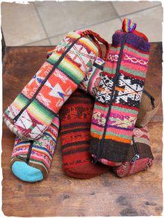 portamatite di stoffa Manta portamatite tubolare artigianale in tessuto di Manta Peruviana di Cuzco. #pencilhandbag #LaMamita #ModaEtnica #ModaItaliana #ModaPrimavera #SpringFahion #SummerFashion #Ethnic #Accessori #Accessories #scuola #astucci http://bit.ly/1IubkwF