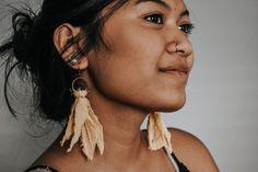 DIY Fabric Earrings – Handmade with Jess Dyi Earrings, Diy Earrings Making, Fabric Earrings, Jewelry Making Beads, Leather Earrings, Leather Jewelry, Earrings Handmade, Tassel Earrings, Diy Fabric Jewellery