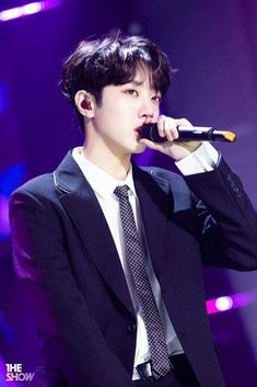 From breaking news and entertainment to sports and politics, get the full story with all the live commentary. Taiwan, Handsome Men In Suits, Rapper, Guan Lin, Boy Celebrities, Lai Guanlin, Ben Barnes, Ong Seongwoo, Kim Jaehwan
