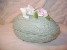 DECORATIVE CERAMIC EGG CONTAINER-2 PIECE SET-WITH FLOWERS AND RABBIT ON TOP
