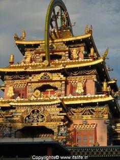 Namdroling Monastery in Tibet