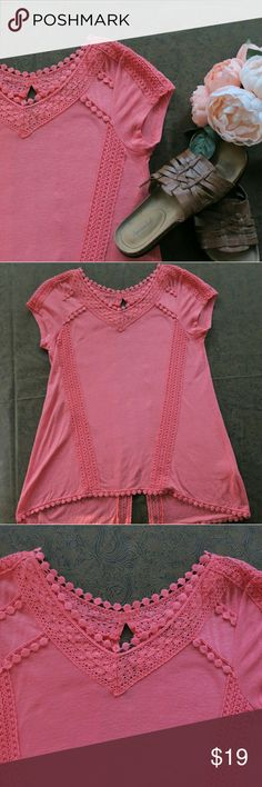 * SALE* Melissa Paige Womens Coral Top Pretty Soft Coral .. perfect for any occassion! Size Small NWOT Melissa Paige  Tops