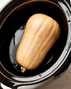 Cook a Butternut Squash in crockpot hr on low or on high Crockpot Dishes, Crock Pot Slow Cooker, Crock Pot Cooking, Slow Cooker Recipes, Cooking Recipes, Crockpot Meals, Oven Recipes, Easy Cooking, Cooking Ideas