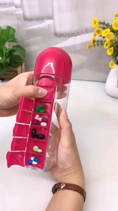 Cool Gadgets To Buy, Cool Kitchen Gadgets, Best Amazon Buys, Cool Inventions, Useful Life Hacks, Diy Doll, Craft Videos, Cool Things To Buy, Water Bottle