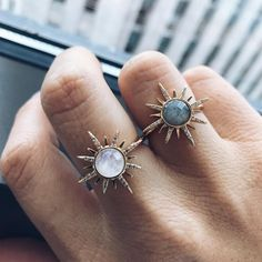A statement moonstone ring set in yellow gold plated brass. This glowing cocktail ring is the perfect stunner to add to your collection. Stylish Jewelry, Cute Jewelry, Jewelry Gifts, Gold Jewelry, Jewelry Accessories, Jewellery, Gold Necklace, Bling Bling, Labradorite Ring
