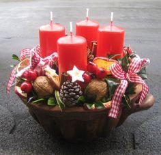 Upečeno na Vánoce. - New Ideas Christmas Is Coming, Winter Christmas, Christmas Home, Christmas Wreaths, Christmas Crafts, Merry Christmas, Christmas Arrangements, Christmas Centerpieces, Christmas Decorations