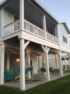 Galveston beach cottage. Rentals are always a good option for large families :)