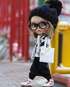 琴羽屋(kotohaya)さんはInstagramを利用しています:「#ブライス#カスタムブライス#customblythe #blythe #etsy#blytheoutfit #dollstagram #etsyshop #doll #blythestagram #kawaii#dolloutfit #ブライスアウトフィット…」 Ooak Dolls, Blythe Dolls, Art Dolls, Cute Baby Dolls, Cute Babies, Pretty Dolls, Beautiful Dolls, Cute Cartoon Pictures, Cute Cartoon Wallpapers
