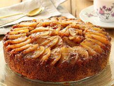 upside-down caramel apple cake Apple Recipes, Sweet Recipes, Israeli Desserts, Cookie Desserts, Dessert Recipes, Food Network Recipes, Cooking Recipes, Cake Receipe, Bread Cake