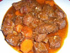 Gulasch tradicional Steak Recipes, Cooking Recipes, Meat Steak, Mexican Food Recipes, Ethnic Recipes, Goulash, Spanish Food, Everyday Food, Pot Roast