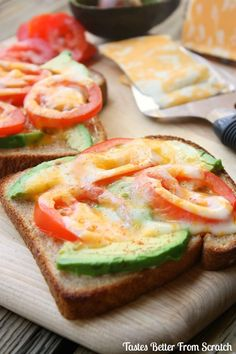 This tomato avocado melt is a quick and healthy breakfast for an on-the-go family! Toast with melted cheese, tomatoes, and avocado. Great Recipes, Favorite Recipes, Snacks Saludables, Healthy Sandwiches, Cooking Recipes, Healthy Recipes, Healthy Wraps, Healthy Snacks For Kids, I Love Food