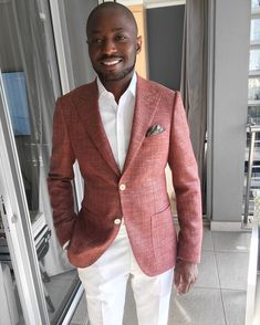 White Pants Outfit, Blazer Outfits Men, Dress Attire, Men Dress, Mens Tailored Suits, Suit Fashion, Fashion Outfits, Style Masculin, Looking Dapper