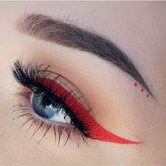 Jeffree Star velour liquid lipstick Anna Nicole as eyeliner