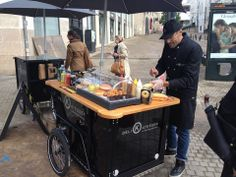 Nihola pour DeliKatessen : le hot dog nantais
