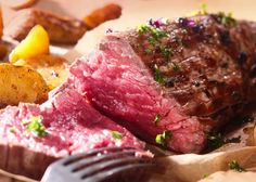 We provide award-winning healthy online food delivery, including premium meats and well-balanced ready meals. Christmas Meat, Gourmet Recipes, Healthy Recipes, Beef Fillet, Zucchini Puffer, Full Fat Yogurt, Healthy Food Delivery, Muscle Food, Filets