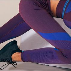 It's all in the detail with these LNDR leggings. Find these amazing woven seamless leggings on sale now on Fashercise.com