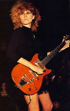 poison ivy from THE CRAMPS Tougher than the toughest! Sound Of Music, New Music, Good Music, Rock N Roll Music, Rock And Roll, It Icons, The Cramps, Guitar Girl, Rock Of Ages