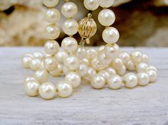 Retro Pearls Necklace/Bracelet Cream shade pearls by MeshuMaSH, $30.00 #vintage #jewelry #necklace #pearls #mad_men #dreamteam