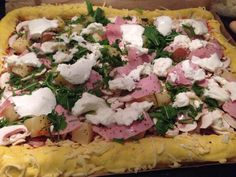 "Ananas Pizza ""Sweet and Spicey"" mit Büffelmozzarella"
