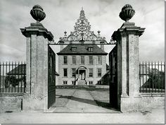 Old photo of entrance gate