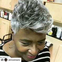 Why couldn't my hair gray this way?? Mother's hair is gorgeous! #GrayHighlights #GraySlayed #GrayStreaks #MotherYourGrayHairIsBeautiful #Repost @atmoshears She always represents me well. Styled by Cindy. Keep turning out heads that makes heads turn. Call 443-445-0587#shorthairstyles #shorthair #dmvhair #dmvsalon #baltimorehairstylist #grayhair #baltimorehairstylist #readventures #reathegal #readagal