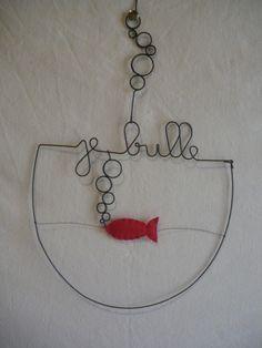 """Mobile mural Aquarium en fil de fer """"Je bulle """" : Décorations murales par le-tournesol-rouge"""