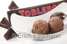Schokoladen-Toblerone-Eis mit und ohne Eismaschine