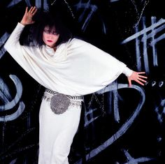 Sioux by Guido Harari, Siouxsie Sioux, Siouxsie & The Banshees, Music Girl, 80s Music, Concert Lights, Music Rock, Look Man, New Romantics, Ice Queen