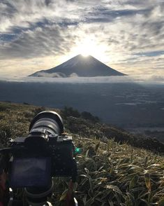 ภูเขาไฟฟูจิ สถานที่ท่องเที่ยวในญี่ปุ่น ไปญี่ปุ่นไปเที่ยวที่ไหน รุจ เดอะสตาร์ รุจ ศุภรุจ Mountain Wallpaper, Mount Rainier, Mountains, Nature, Travel, Naturaleza, Viajes, Destinations, Traveling