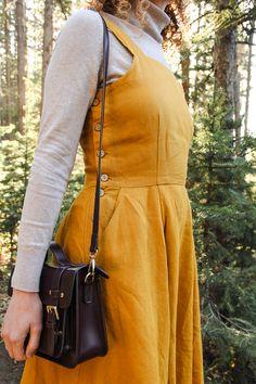 Marigold dress for autumn. Dress Outfits, Fall Outfits, Casual Dresses, Pinafore Dress Outfit, Marigold Dress, Clothing Hacks, Vintage Fashion, Vintage Style, Vintage Dresses