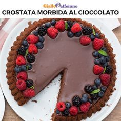 La CROSTATA MORBIDA AL CIOCCOLATO è un dolce goloso e facilissimo da preparare! Grazie allo stampo speciale, una volta capovolta, la torta avrà una scanalatura pronta ad accogliere un ripieno vellutato e cremoso. Sweet Recipes, Cake Recipes, Dessert Recipes, Köstliche Desserts, Chocolate Recipes, Love Food, Cupcake Cakes, Sweet Treats, Food Porn