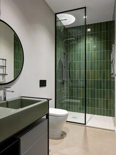 Modern Bathroom Design, Bathroom Interior Design, Upstairs Bathrooms, Small Bathroom, Home Room Design, House Design, Modern Vintage Bathroom, Casa Clean, Toilet Design