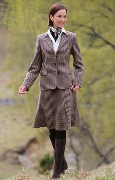 WASPing Through the Countryside 1950s Fashion, Vintage Fashion, Preppy Style, My Style, Country Style, Skirts With Boots, Plaid Skirts, Pencil Skirt Outfits, Older Women Fashion